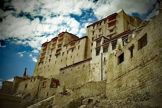 leh ladakh images and ladakh palace